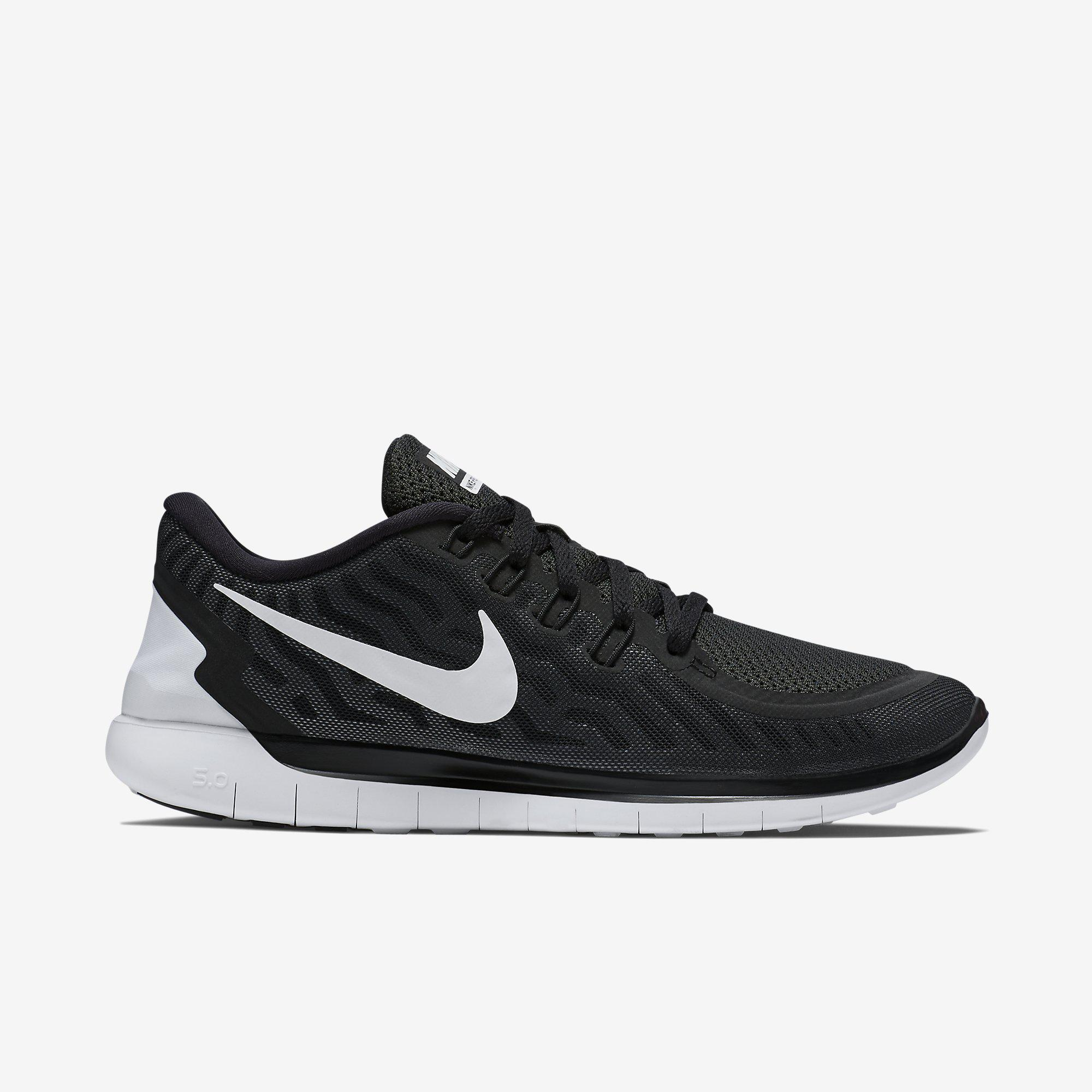 nike mens free 5 0 running shoes black white. Black Bedroom Furniture Sets. Home Design Ideas