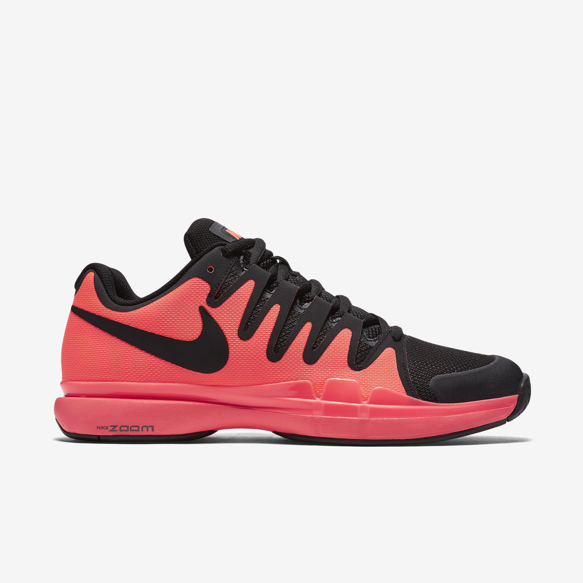 descuentos Nike Tenis De Color Blanco / Lava Caliente visitar el nuevo sneakernews despacho venta cuánto Dónde puedes encontrar YfoTU
