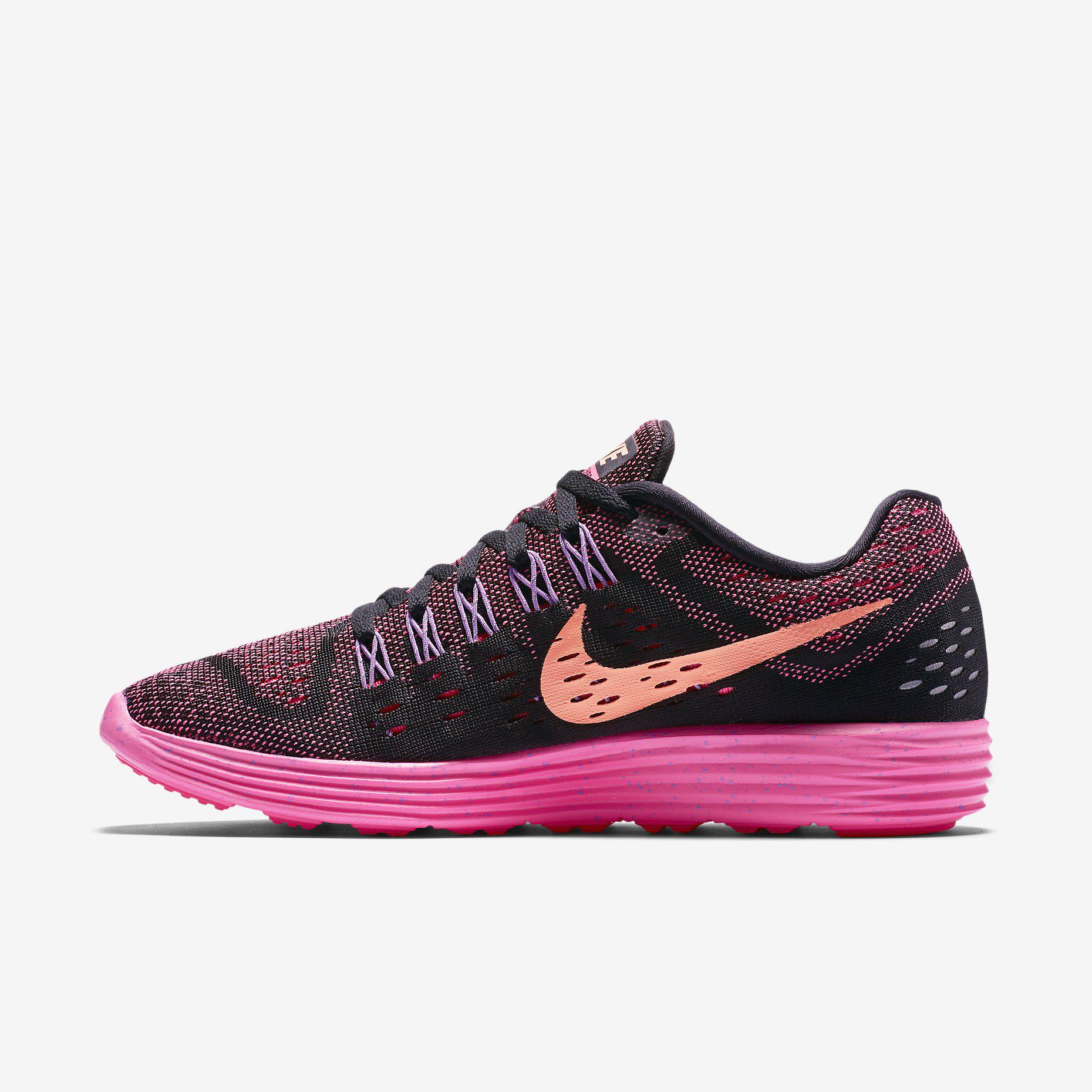 Womens Black And Pink Nike Running Shoes